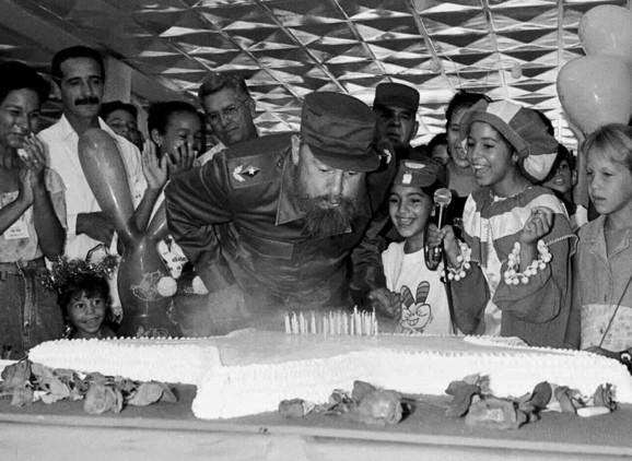 ¡GRACIAS FIDEL! 90 AÑOS DE LUCHA¡
