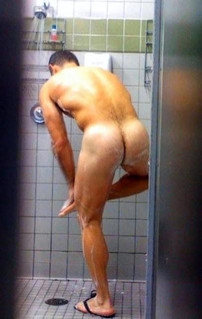 mokrie-parni-golie