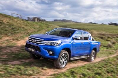 Spesifikasi dan Harga Toyota Hilux Revo
