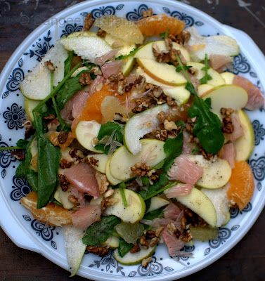 The freshest salad | green apple, pear and three kinds of citrus fruits with walnut and tender radish greens...