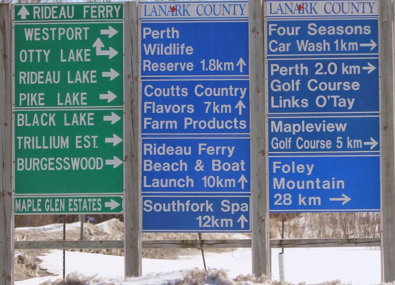 signage lanark county