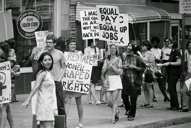 52 photos of women who changed history forever - Women's Liberation Coalition March, Detroit, Michigan. [1970]
