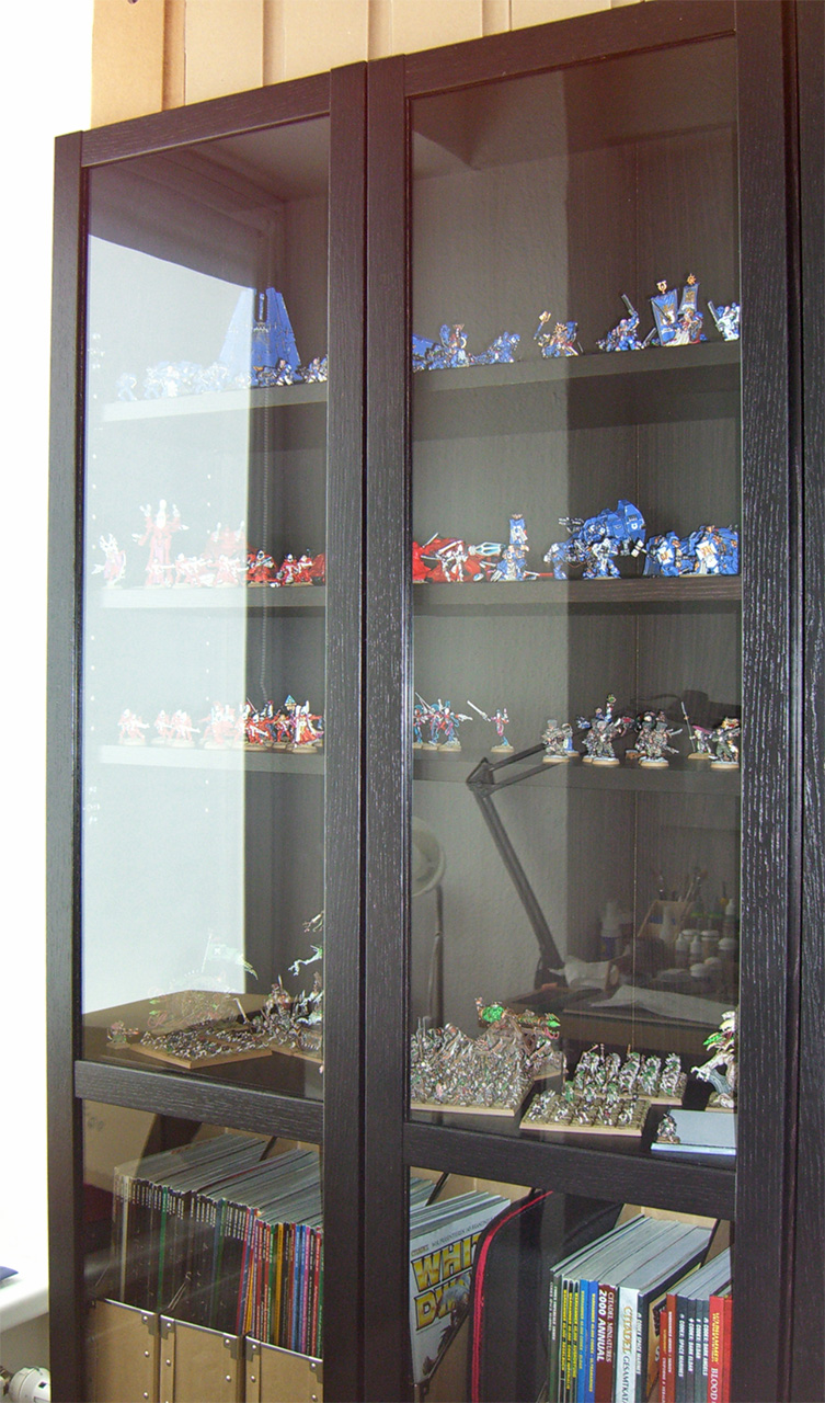 Showcase: Stahly's new display cabinet - Tale of Painters