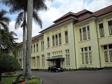 Sekolah SMA Terbaik dan Terpopuler di Indonesia