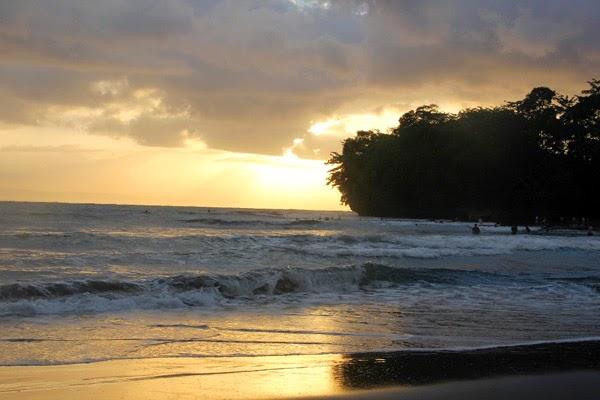sunrise pantai batukaras