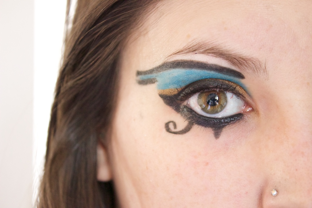 Eye of Horus Halloween eye make-up