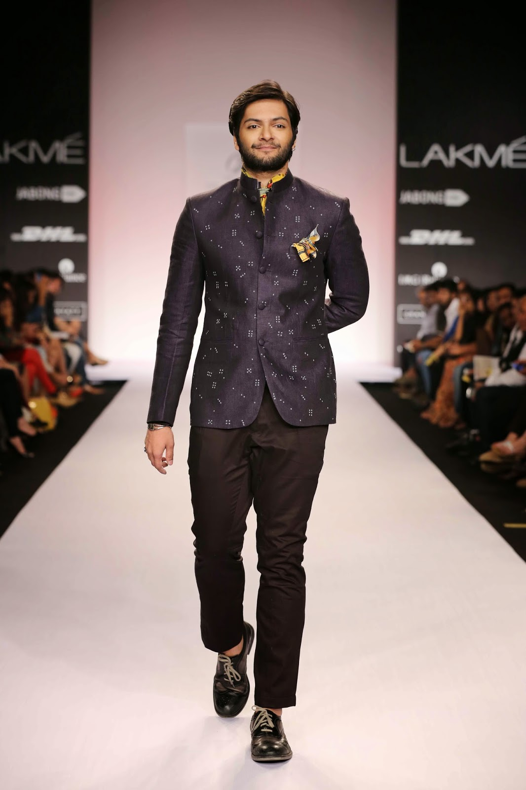 "The showstopper was Bollywood's handsome star Ali Fazal from the movie ""Fukrey"" in a stylish black Jodhpuri jacket."