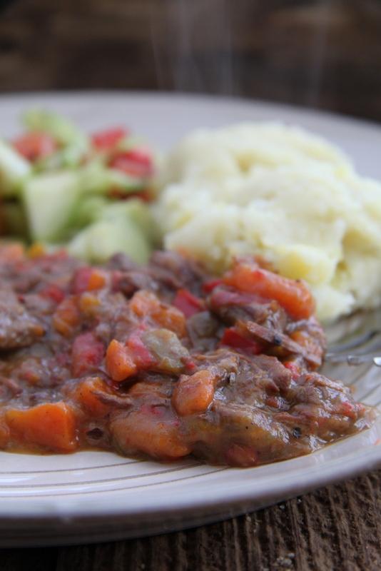 Gulasz wołowy z papryką