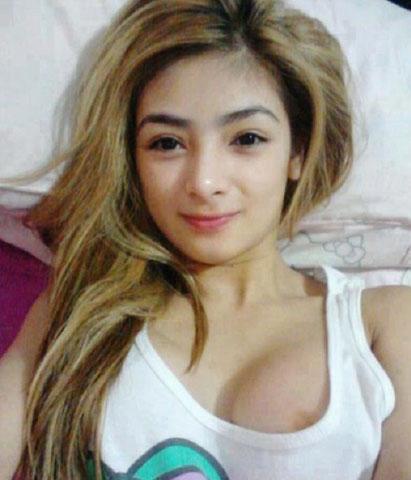 Mae Dela Cerna's Nip-Slip Selfie