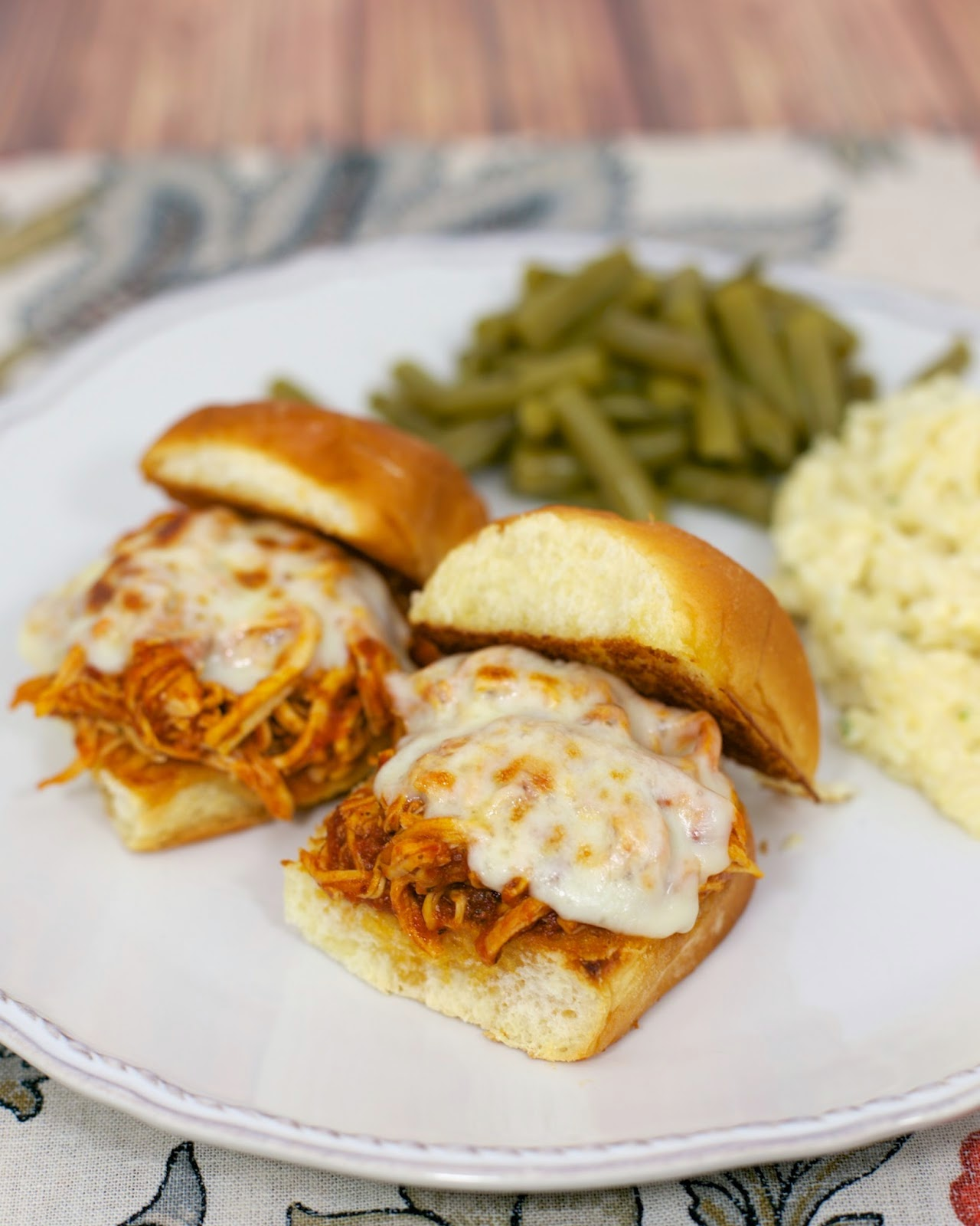 crock pot chicken sliders