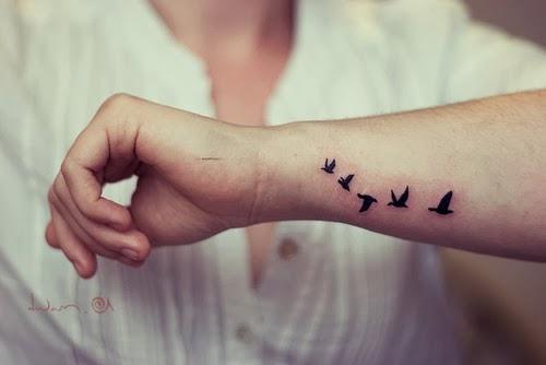 Sobretodo en el mundo del tatuaje, donde por supuesto, las más populares son las que están volando. Aquí veremos algunos de estos tatuajes de los que os