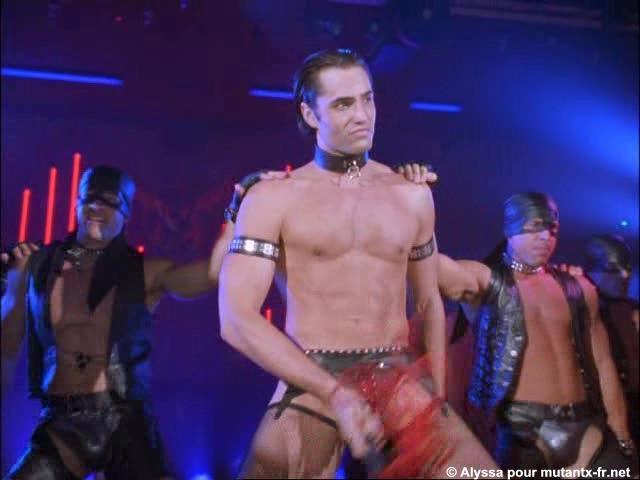 image Despedida de soltera con strippers masculinos