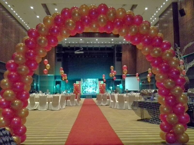 Event planner manager dinner family day management kids for Annual day stage decoration images