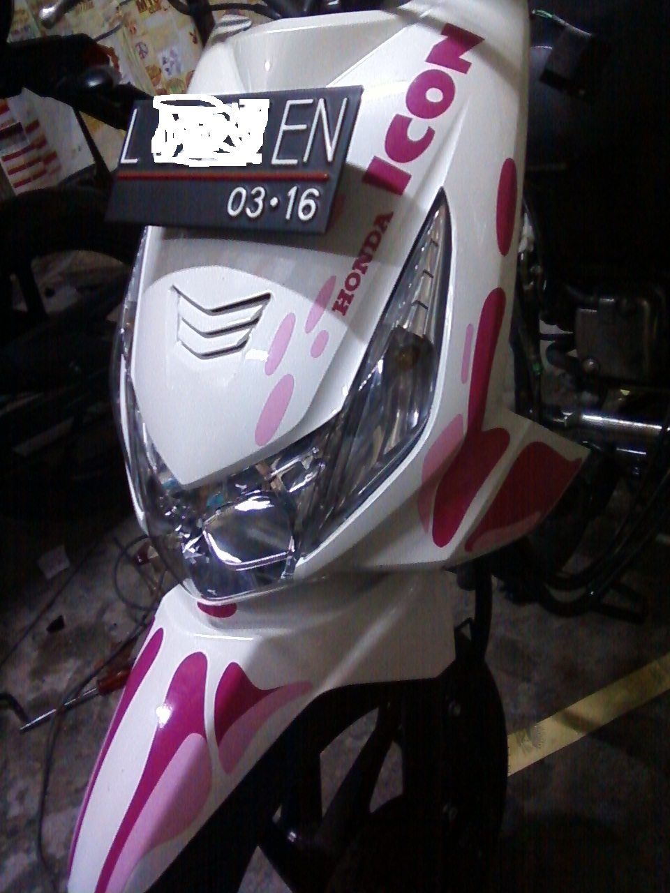 Gambar model cutting sticker motor beat