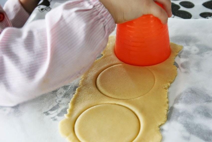 Galletas redondas con el vaso de Ikea