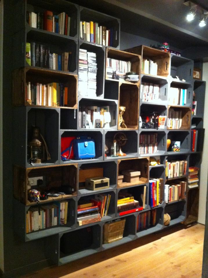 Decorando y renovando diy librerias recicladas con encanto - Cajas de fruta recicladas ...