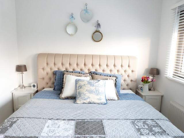 Slaapkamer Naturel Tinten : Het brocante schelpenhuisje quilts spreien ...