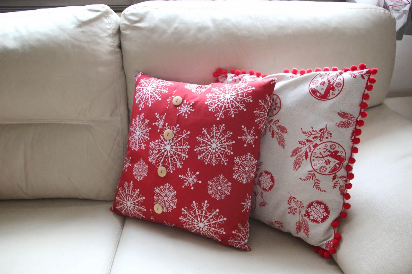 Diy navidad c mo hacer cojines para decorar tu casa en navidad oh mother mine diy - Modelos de cojines decorativos ...