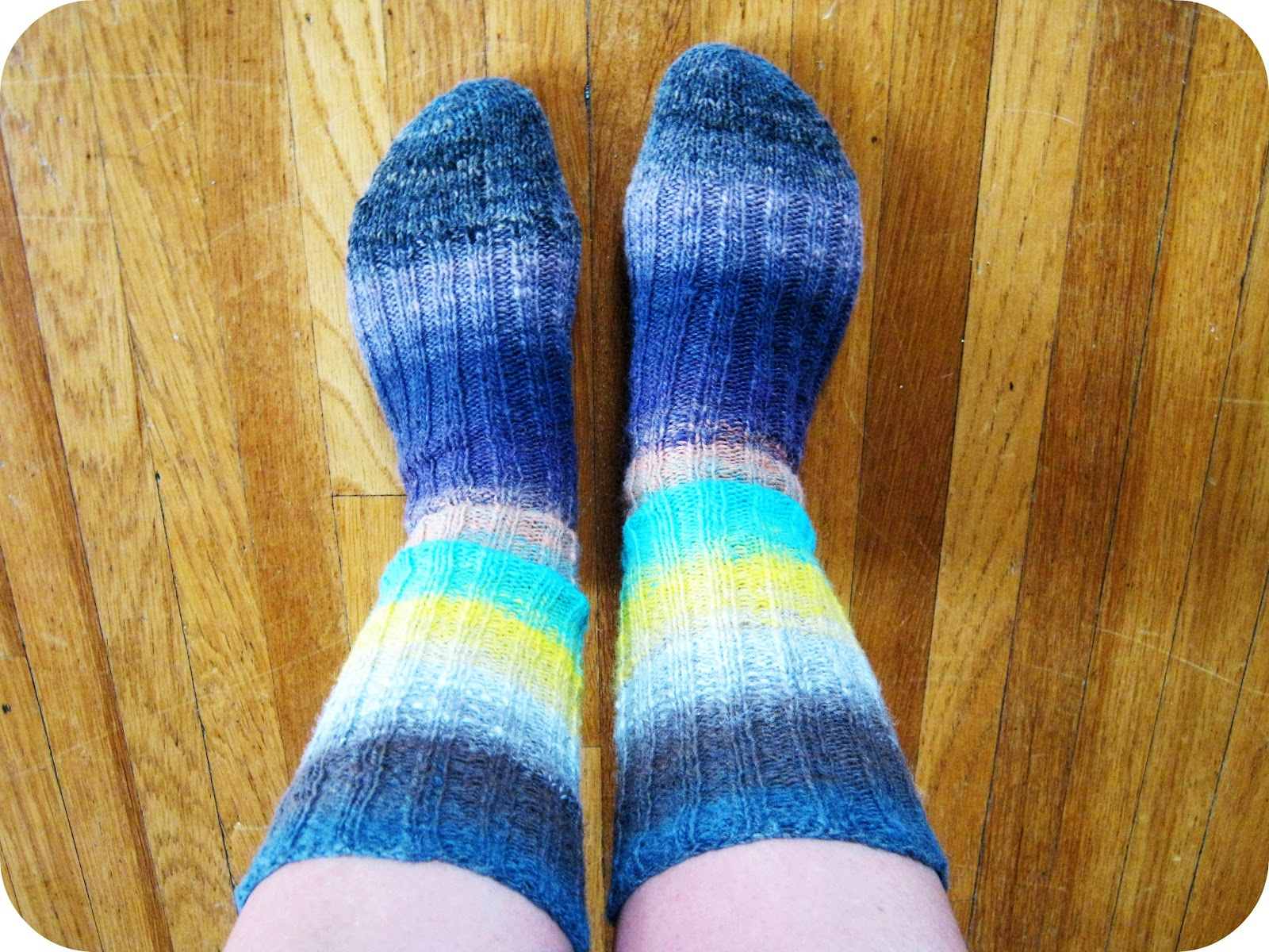 Easy Bed Socks Or Slippers Free Knitting Pattern LONG ...