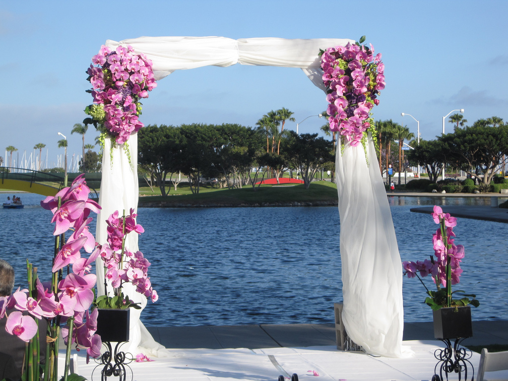 Outdoor wedding decorations wedding plan ideas for Wedding decoration images