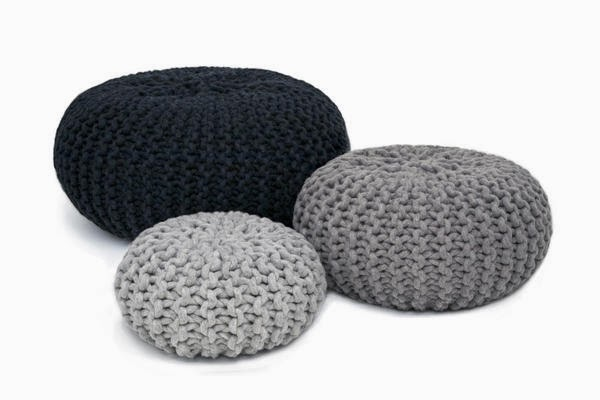 creatief besparen en meer poef zelf breien. Black Bedroom Furniture Sets. Home Design Ideas