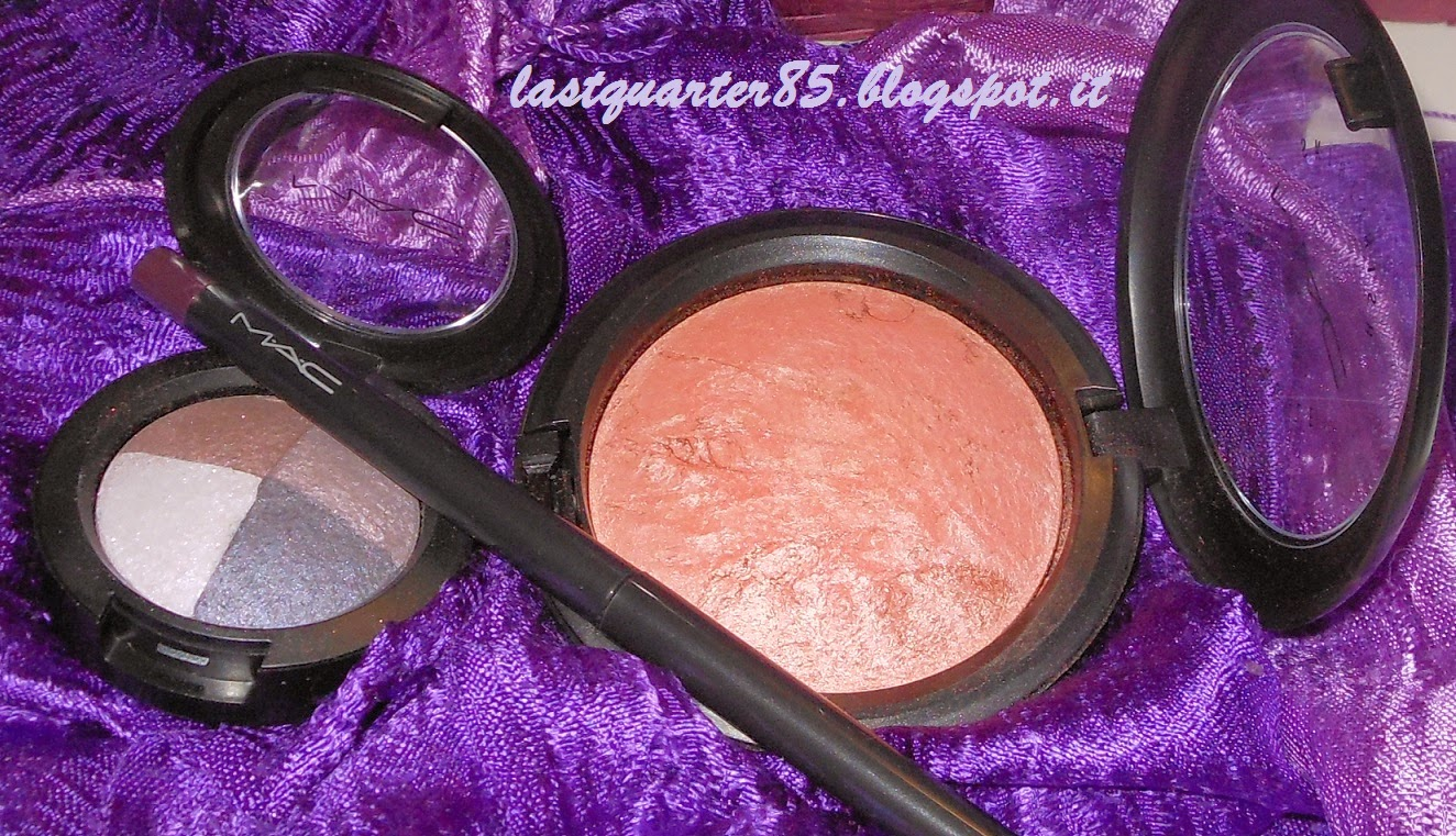 Mac: matita Eyeliner Kajal in Purple Dush, Ombretto Great Beyond e Mineralize Skinfinish Stereo Rose.