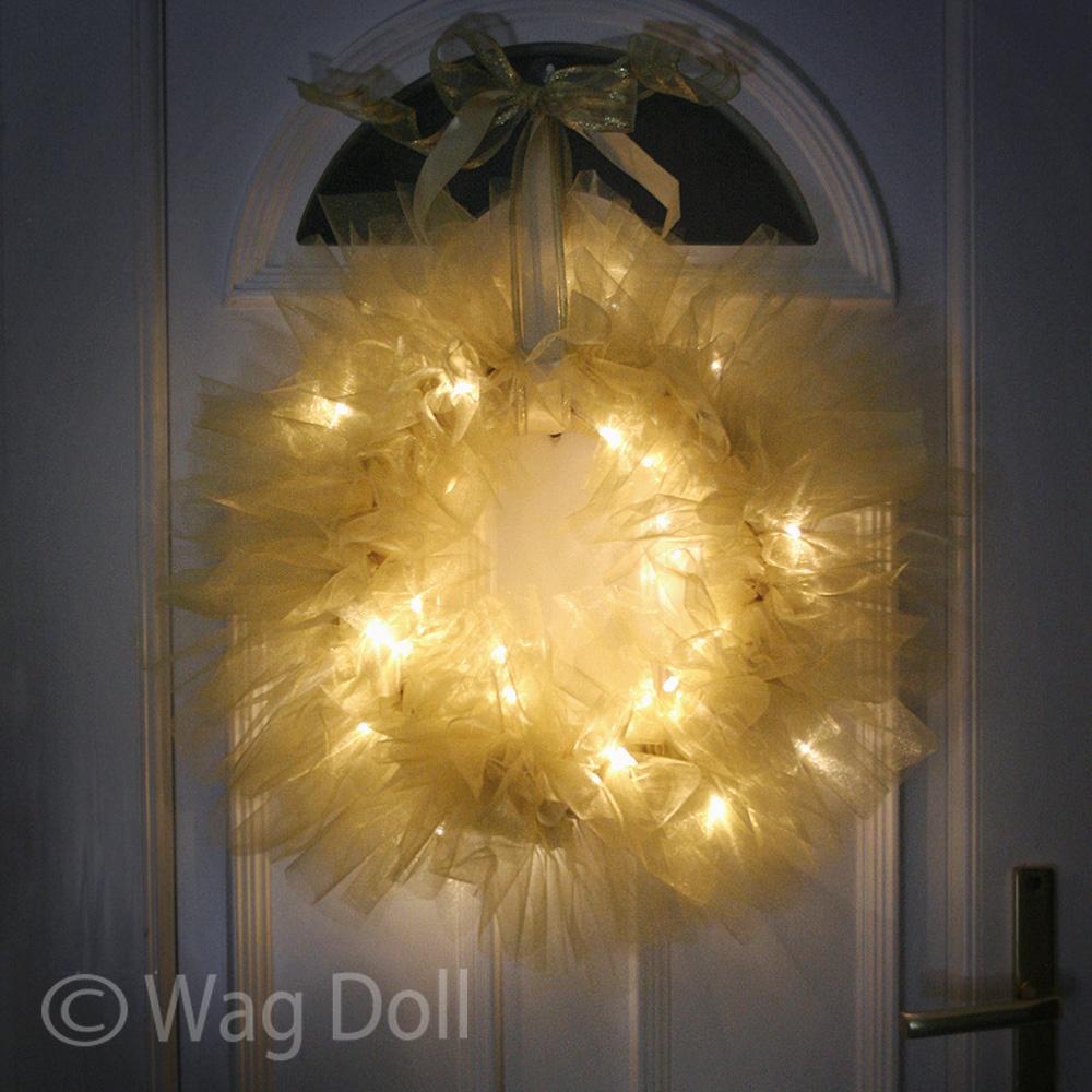 DIY Tulle and Light Wreath | Christmas Lights Shop Blog