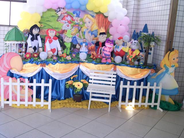 decoração de aniversário infantil - Alice no pais das maravilhas