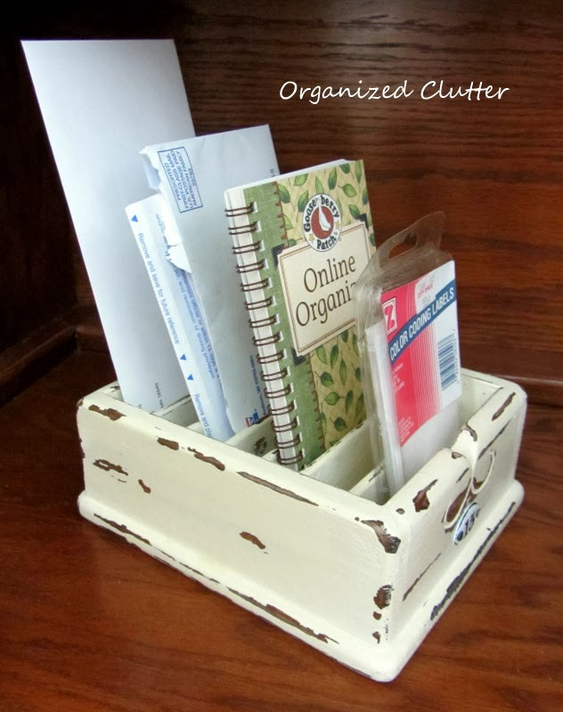 http://organizedclutterqueen.blogspot.com/2014/01/my-first-project-with-annie-sloan-chalk.html