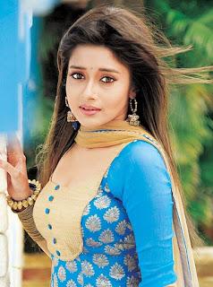 Biodata lengkap Tina Dutta Pemain Film Uttaran