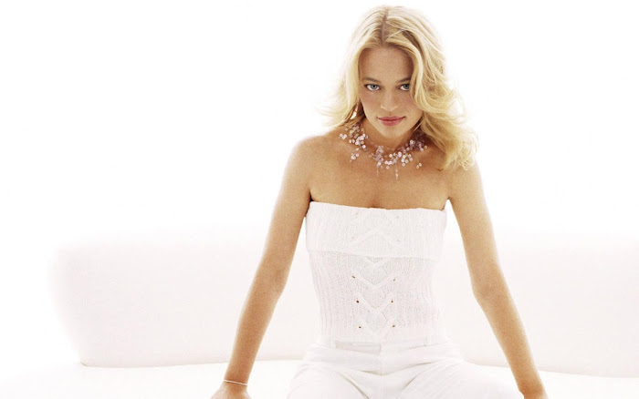 Jeri Ryan HD Wallpaper -02