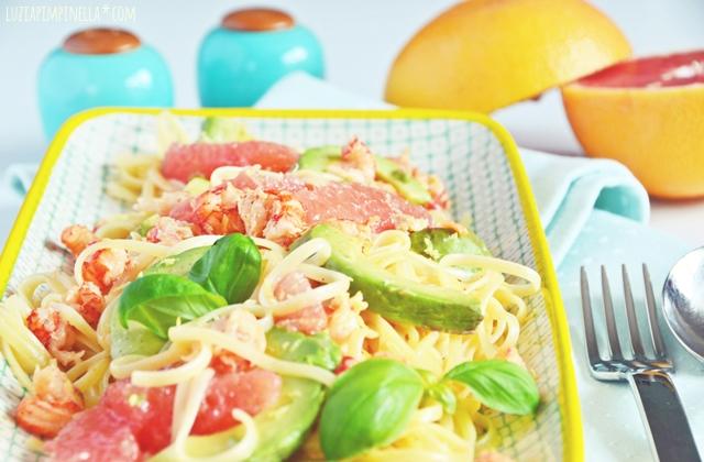 luzia pimpinella | rezept - linguine mit krebsfleisch, avocado & grapefruit | recipe - pasta with crab meat, avocado & grapefruit