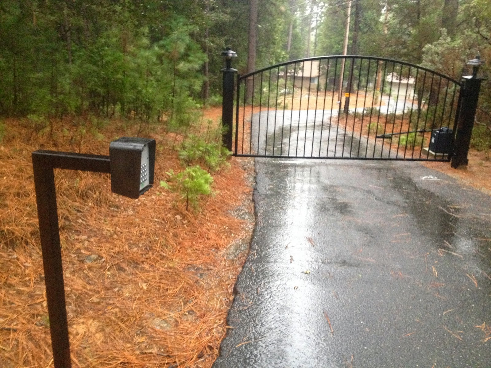 Living iron driveway gate with lights for How to install driveway lights
