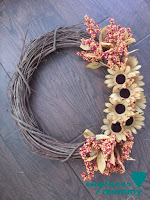 http://engineermommy.com/2015/fall-floral-wreath-diy/