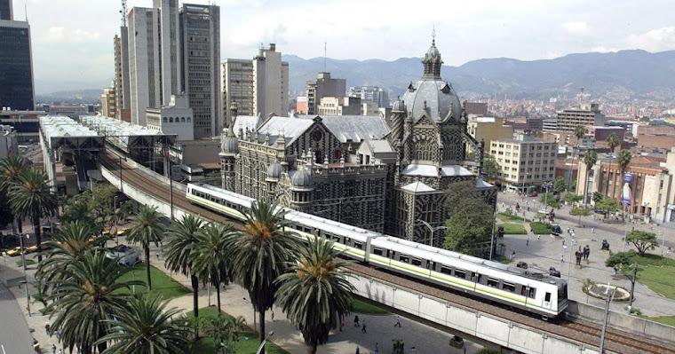 La ciudad de Medellin, Colombia, la capital de la eterna primavera