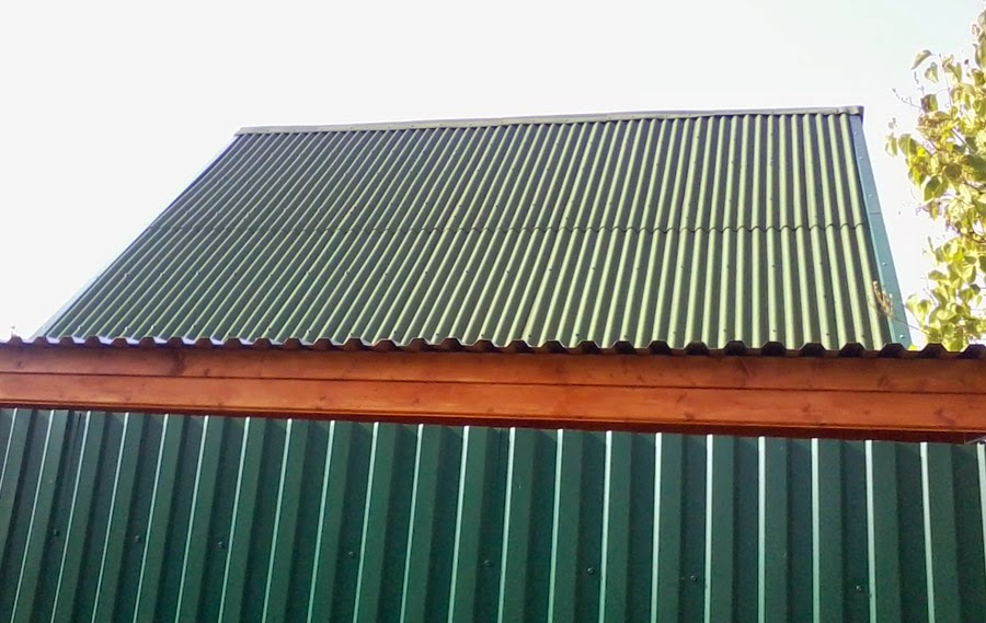 Крыша из оцинкованного профнастила своими руками 89