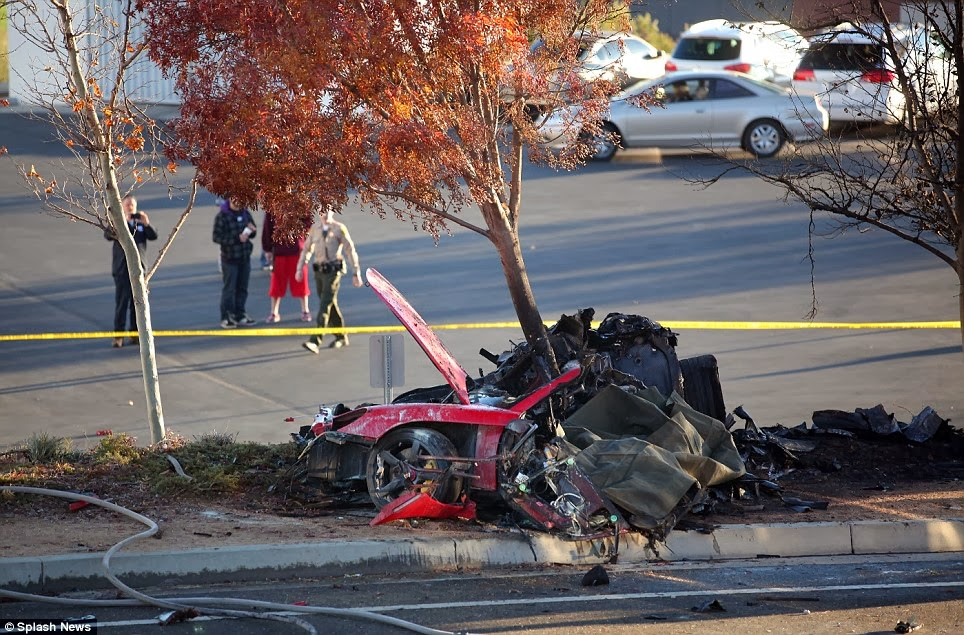 DebaOnline4U Paul Walker Dead In Fiery Car Crash Photos