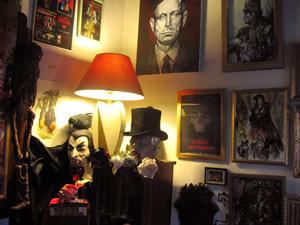musee des vampires,vampire museum,musee des vampires france,insde of musee des vampires