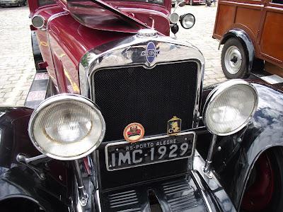 1929 Chevrolet: detalhe dos faróis e radiador
