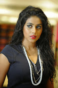 Poorna latest Glam Pics from Nuvvala Nenila Movie-thumbnail-15