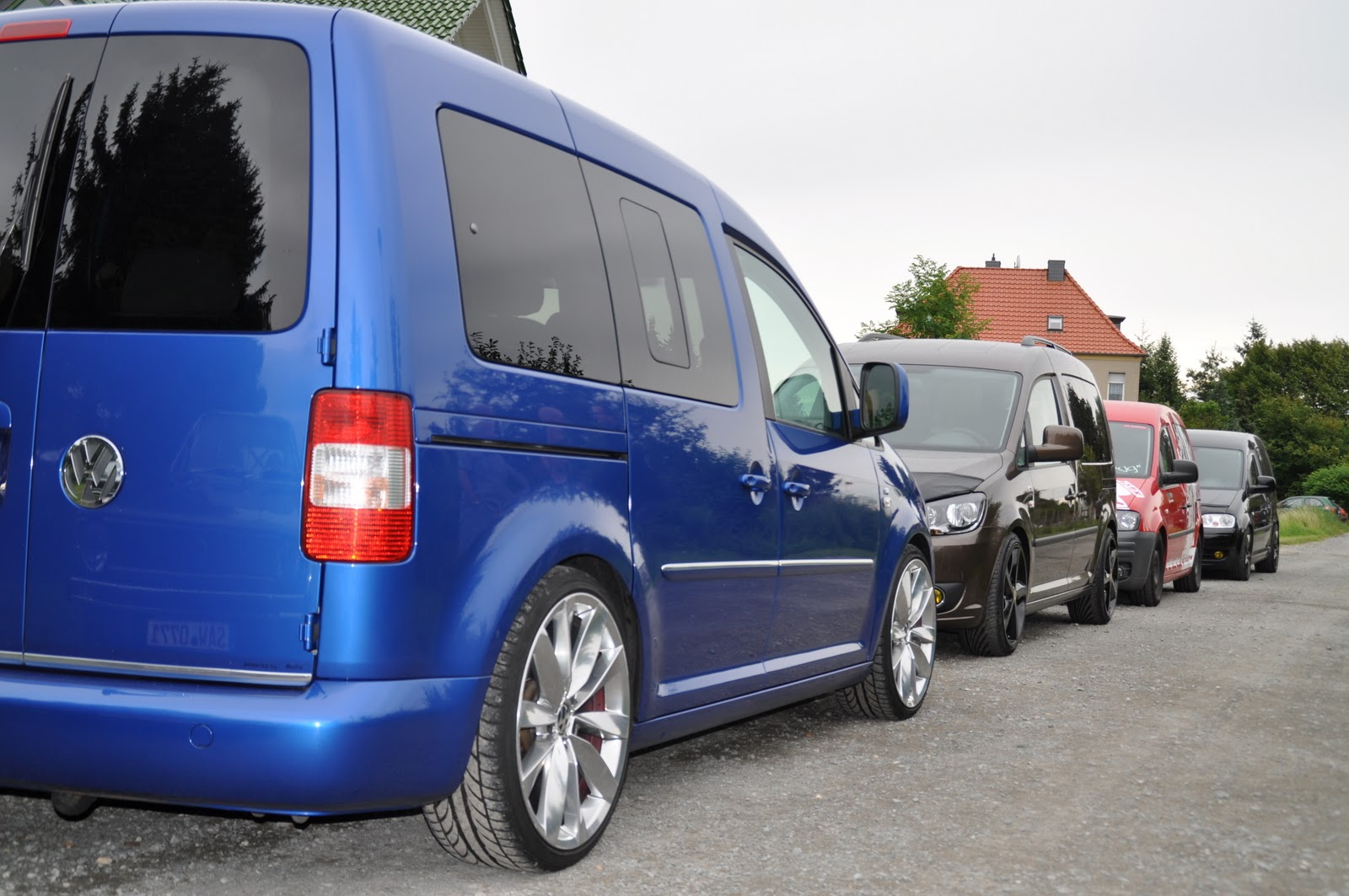 vw caddy life style the caddy family 2011. Black Bedroom Furniture Sets. Home Design Ideas