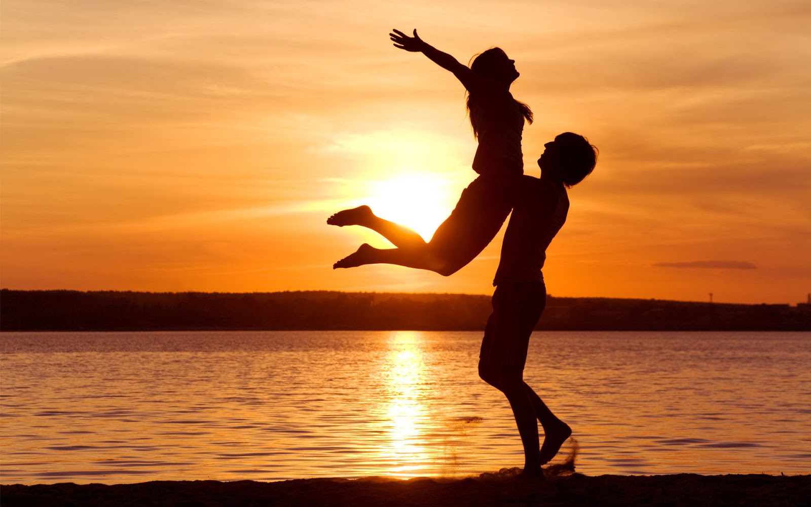 loving couple in beach with sunset hd wallpaper best love hd