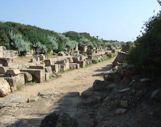 Vom Nordtor in das Zentrum der Akropolis führende Straße