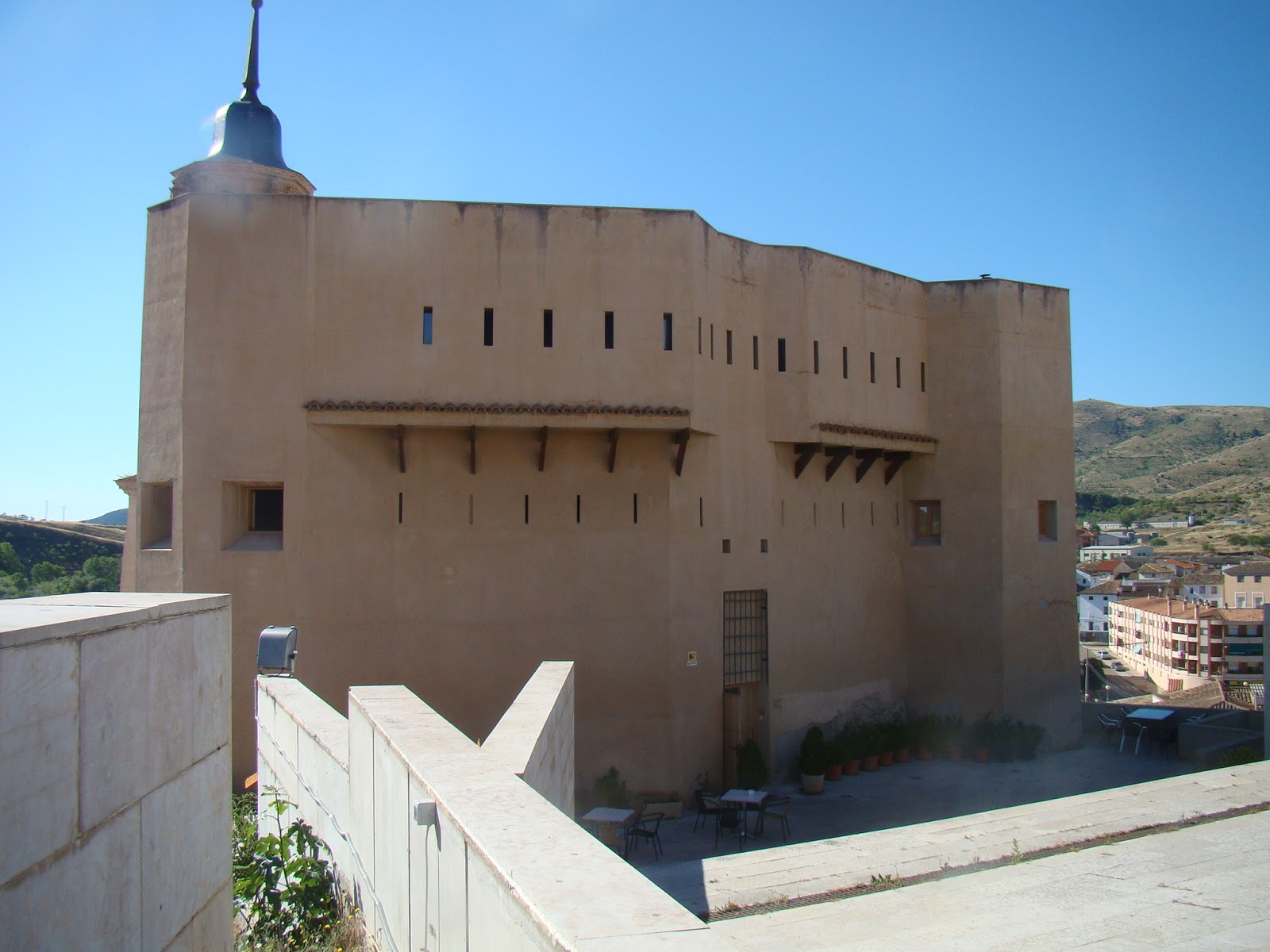 Castillos espa oles castillo de ateca zaragoza - Hotel castillo de ayud ...