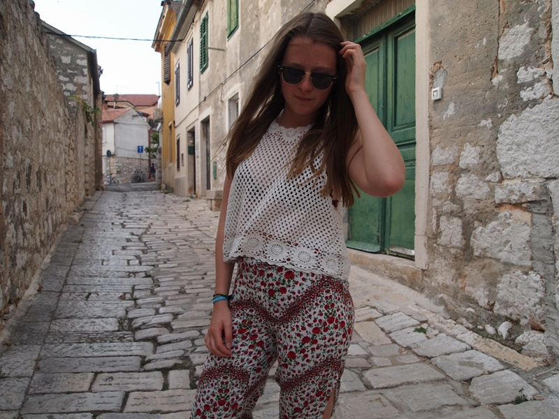 fashion, blog, blogger, fashion blog, fashion blogger, outfit, summer, croatia, hippie, crochet, coachella, pants, rayban, sandals, gladiator, gladiator sandals, rovinj, outfit of the day, ootd, lace up, lace up sandals, trend, style, summer 2015, undersized closet, undersizedcloset, brighton, luxembourg, nora, floral