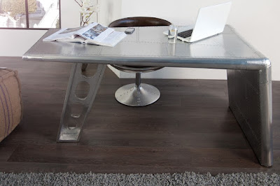 pracovny stôl reaction