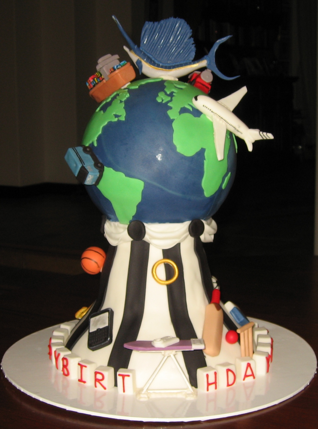The Globe with transportion cake. Posted by Nadia Zucchelli at 2:21 PM No ...