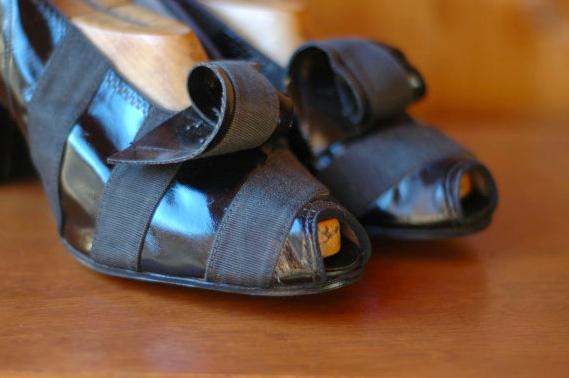 Ribbon Detail on 1940s Heels