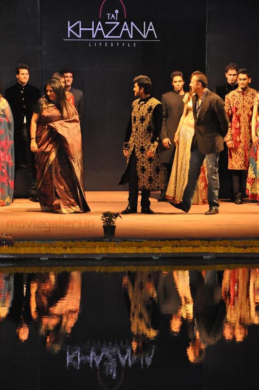 Ram Charan Teja Walks Ramp in TAJ KHAZANA Lifestyle Fashion Show show stills
