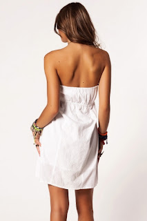 kısa beyaz elbise modeli